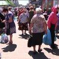 Стихійна торгівля: у Житомирі муніципальна інспекція провела рейд на Житньому ринку. ВІДЕО