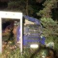 Неподалік Малина рятувальники деблокували з автомобіля водія, якому затисло ноги. ФОТО