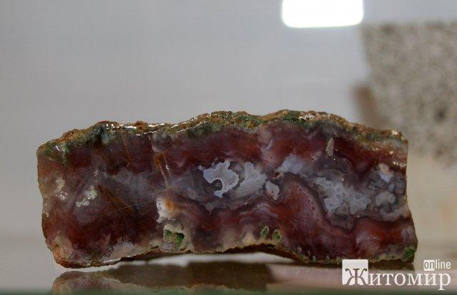 У житомирському музеї космонавтики показали коштовне та декоративне каміння. ФОТО