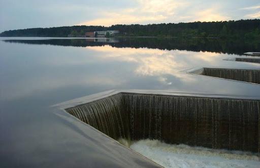 Хто заробляє на незаконному піску із Житомирського водосховища? ВІДЕО