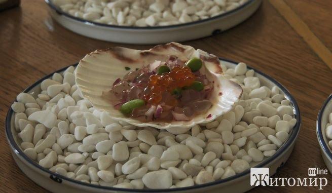 На курортах Азовського моря почали готувати і їсти медуз: фото і рецепт смакоти
