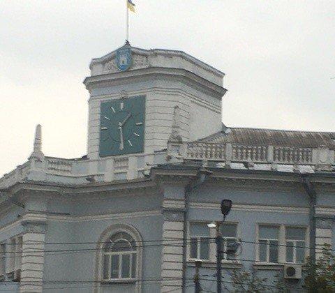 У Житомирі знову зупинився годинник на міській раді. ФОТО