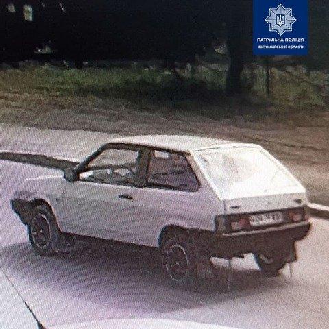 На Житомирщині розшукують водія, який втік з місця ДТП. ФОТО