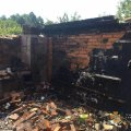 У селі Житомирської області горіла літня кухня: дим помітив сусід. ФОТО