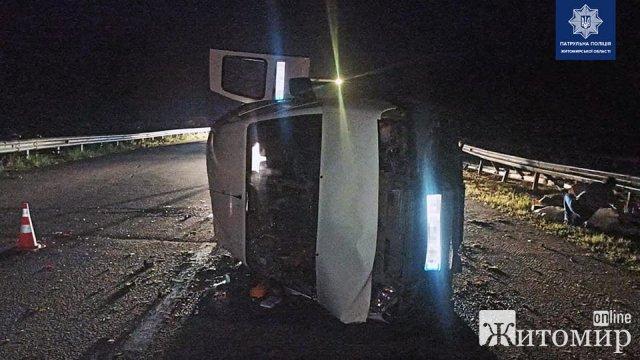 Неподалік Житомира зіштовхнулись Chevrolet та Citroen: постраждалу дитину госпіталізували. ФОТО