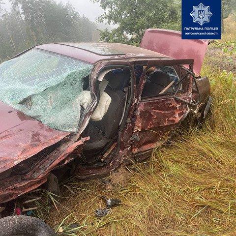 На Житомирщині двоє людей травмувалися внаслідок ДТП. ФОТО