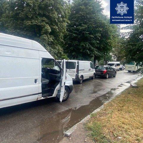 У Житомирі сталася аварія за участі трьох автомобілів. ФОТО