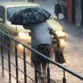 В Україну несуться грози і похолодання: синоптик попередила про нюанси