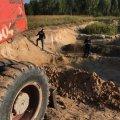На Коростенщині викрили групу осіб, які добували нелегальний пісок. ФОТО