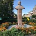 Відомому житомирському композитору відкрили пам'ятник у рідному селі на Черкащині. ФОТО