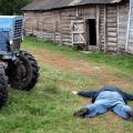 Жуткая смерть: тракториста переехал его же трактор