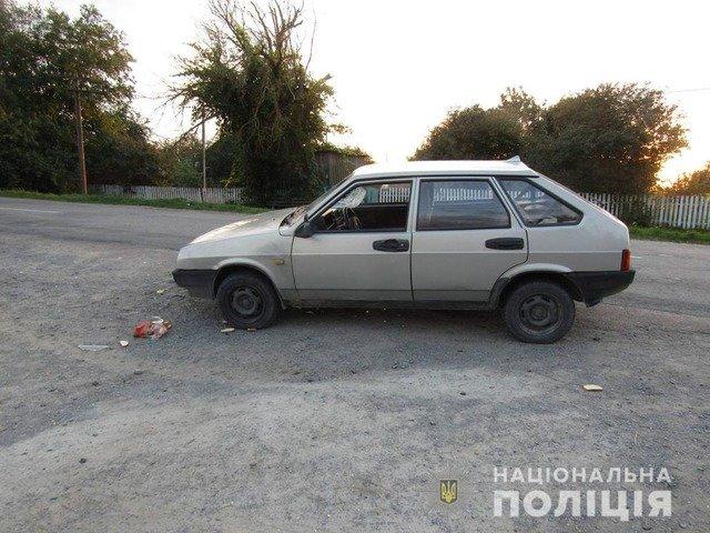 У Новоград-Волинському районі ВАЗ збив 53-річну жінку. ФОТО
