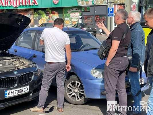 На вулиці Чуднівській у Житомирі знову аварія. ФОТО