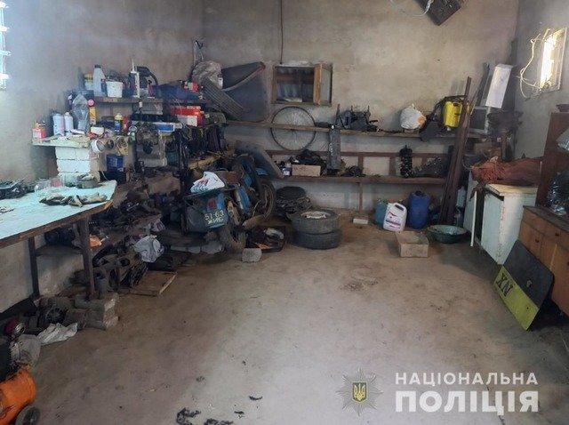 У Радомишльському районі двоє братів пограбували гараж. ФОТО