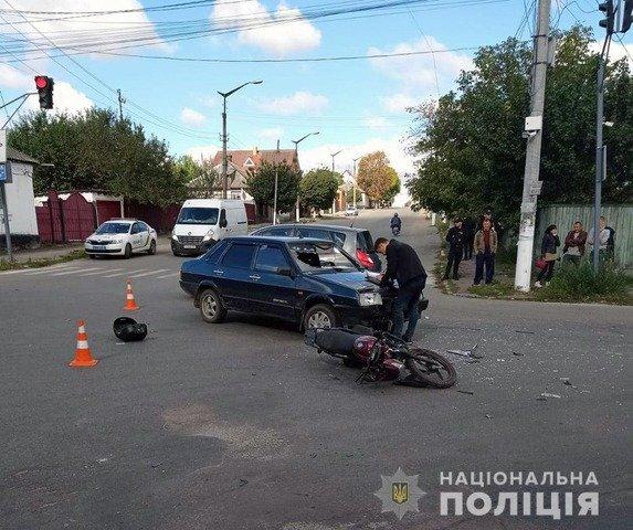 У Радомишлі 60-річний мотоцикліст травмувався внаслідок зіткнення з автівкою. ФОТО