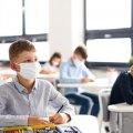 Більшість шкіл України не зможуть працювати очно через невиконання умов щодо вакцинації