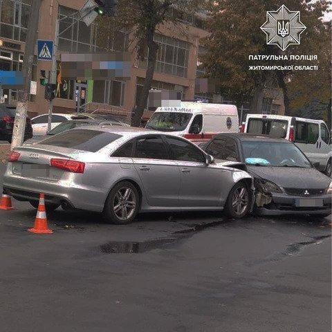 У Житомирі на перехресті вулиць Перемоги та Лесі Українки сталася ДТП. ФОТО