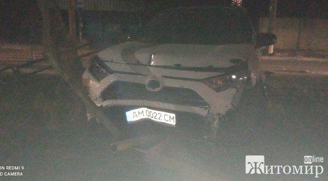 Серйозна аварія на Корольова у Житомирі. Учасник - колишній високий міліцейський начальник? ФОТО