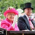 """Королева Єлизавета II """"витрачає мільйони доларів"""" на юридичний захист свого сина принца Ендрю, якого звинувачують у зґвалтуванні"""
